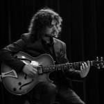 Julien Birot à la guitare